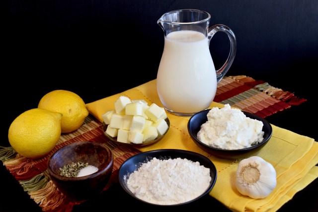 ingredients for the lemon-ricotta béchamel