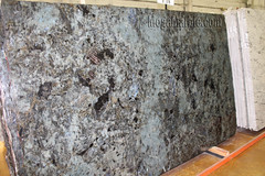 Green Eyes Granite slabs for countertop