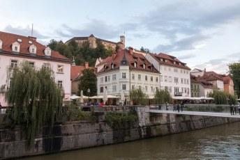 Boven de stad torent het Ljubljana Kasteel uit, ik begon daarom maar aan de klim.