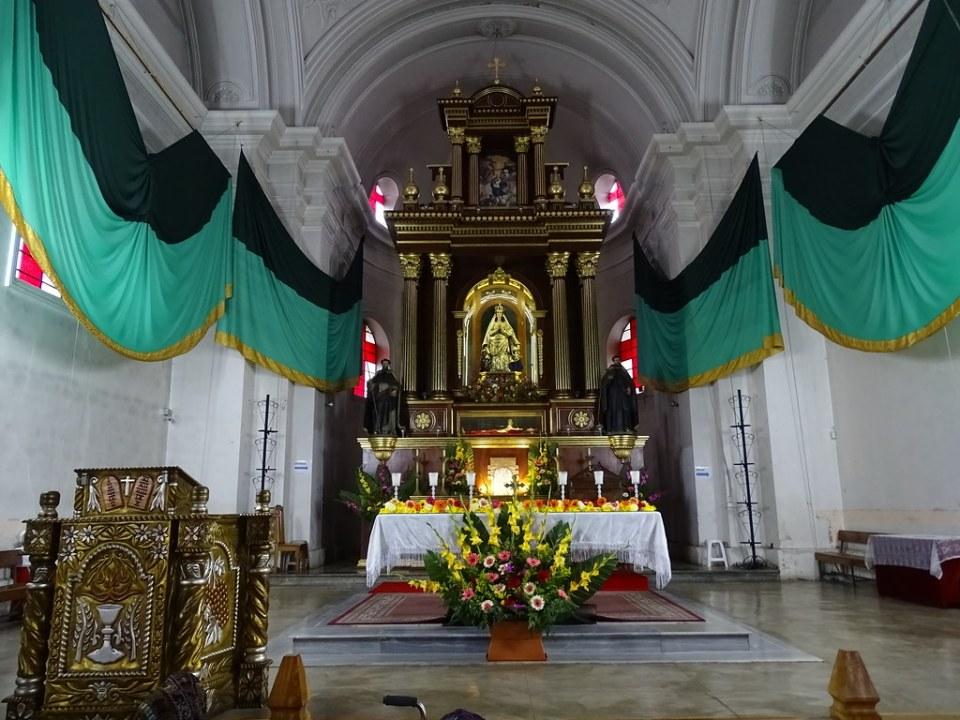 altar Mayor interior Catedral de Sololá católica Guatemala 06