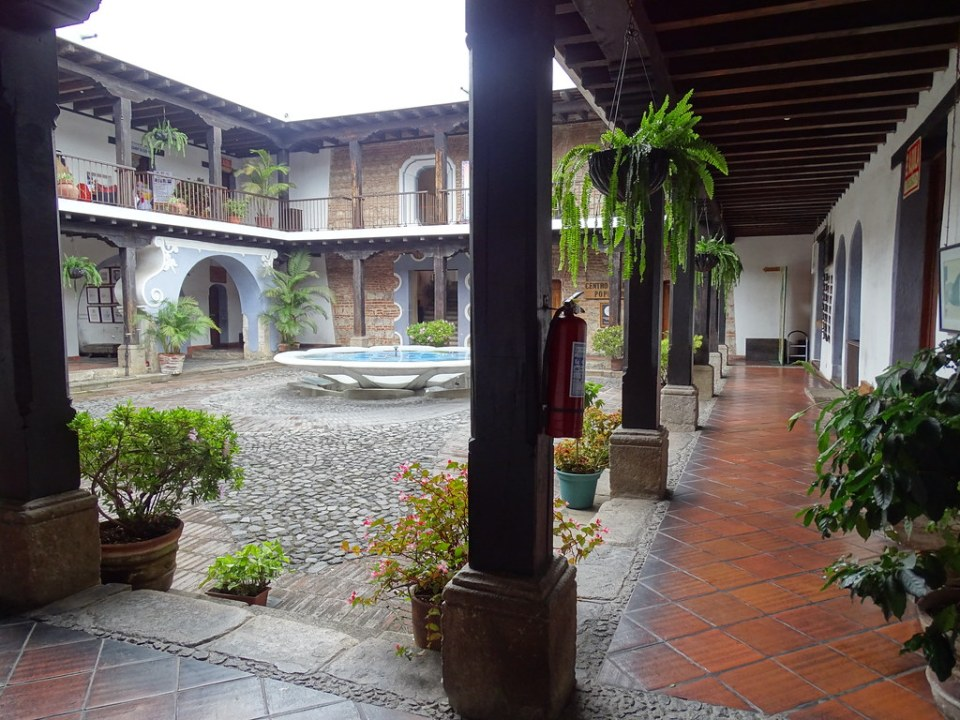 patio Casa El Jaulon Siglo XVI Antigua Guatemala 03