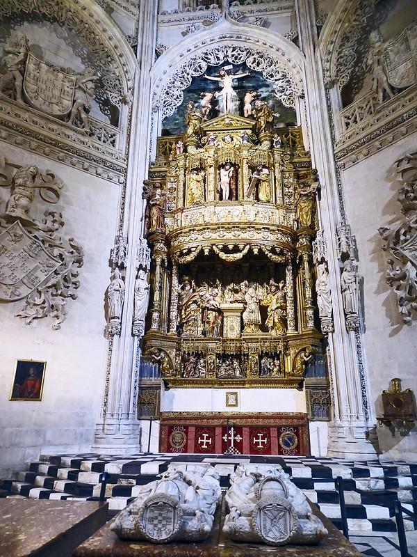 Catedral de Burgos  Retablo mayor de la Purificación de la Virgen y sepulcros Capilla del Condestable 01