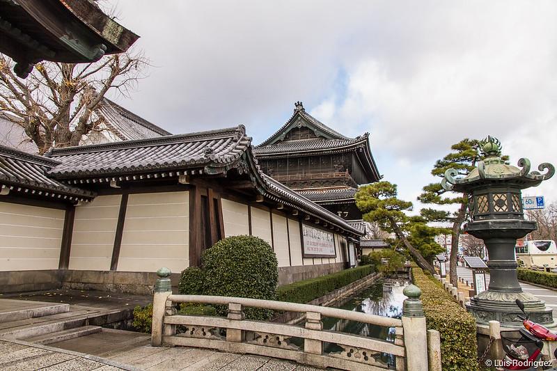 Entrée du temple Higashi-Honganji