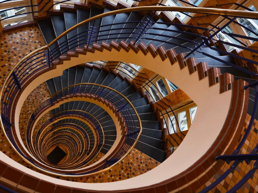 Hamburgs mooiste trappenhuizen: Brahms Kontor| foto Sunshinethroughthewindow