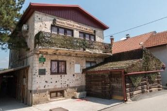 Sarajevo werd tijdens de balkan oorlog drie jaar belegerd door de Serven.