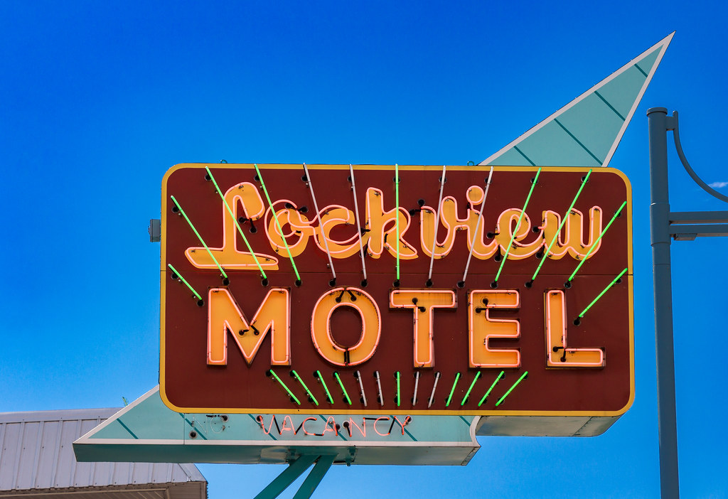 Lockview Motel Sign