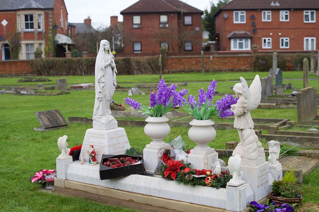 Christmas Grave Decorations