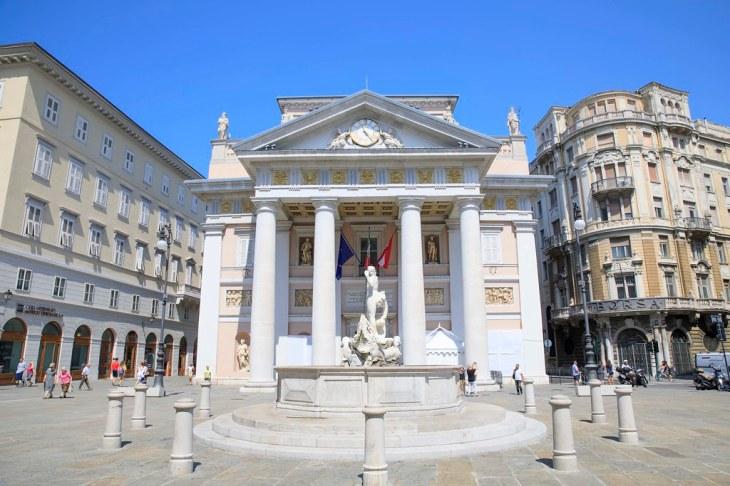 Piazza della Borsa, Trieste, Italy. | The Chamber of Commerc… | Flickr