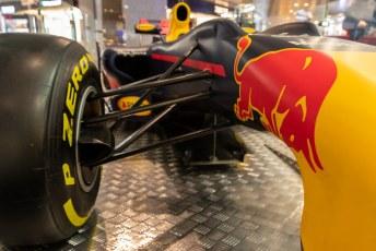 Het volgende kunstwerk is de F1 wagen van ons aller Max Verstappen, door Red Bull.