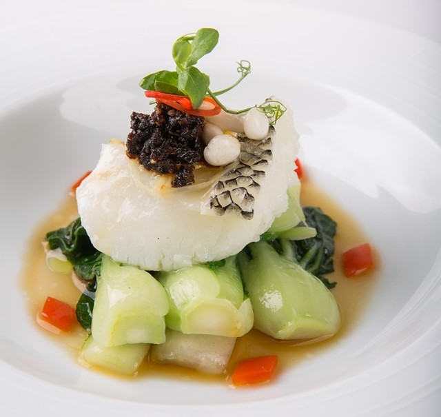 4.Crystal Dragon.Steamed Cod Fish with Black Garlic Sauce and Garden Green (2)