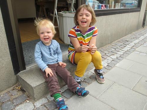Syskonen på stan i Nyköping