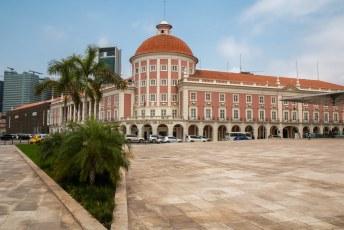 Ik moest weer en dag om zien te krijgen, dus toog ik naar het geld museum naast de Nationale Bank.