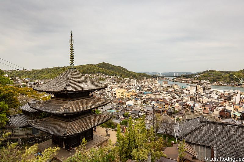 Pagoda de tres pisos del templo Tenneiji
