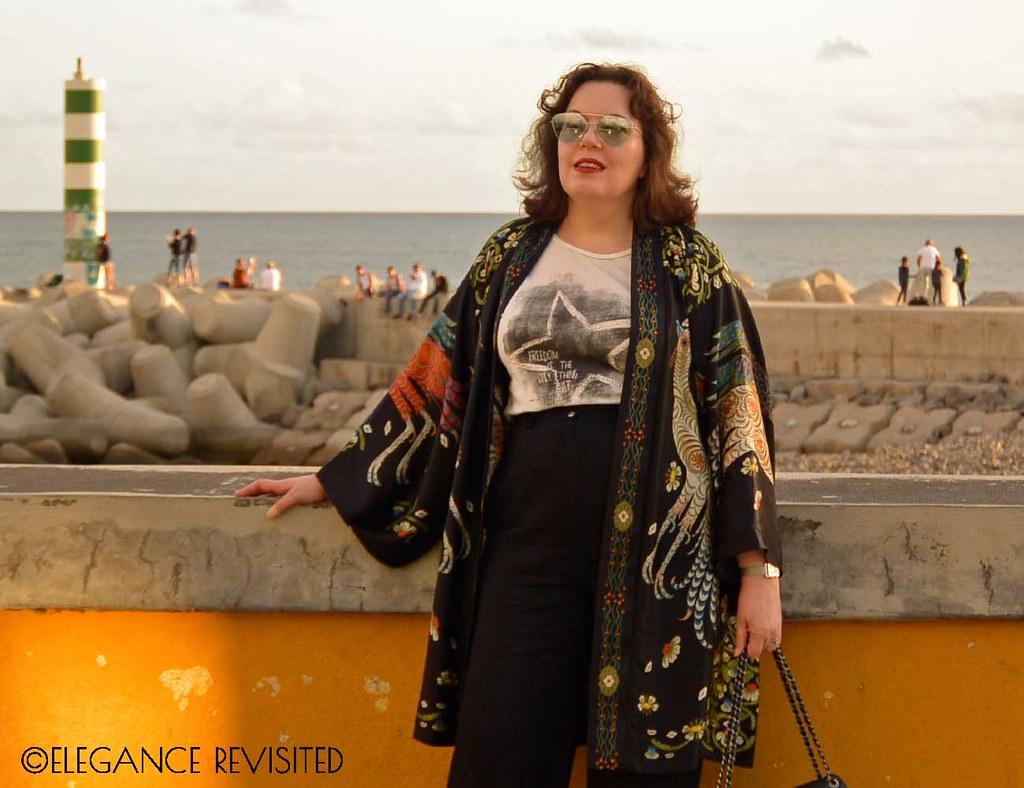 minimalist kimono 1300 x 1000