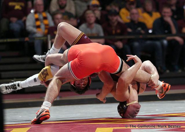141: #8 Mitch McKee (Minnesota) dec. #4 Kaid Brock (Oklahoma State) 6-3. 181118AMK0072