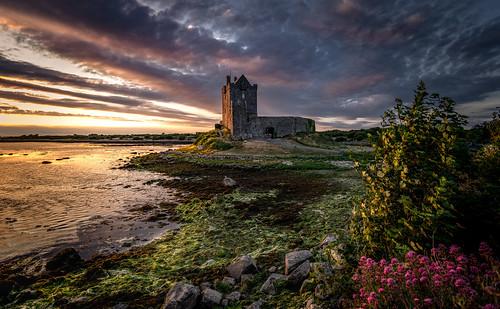 landscape castle tower evening sunset sky clouds water sea coast dunguaire kinvara galway ireland ir brush, ireland in the english world