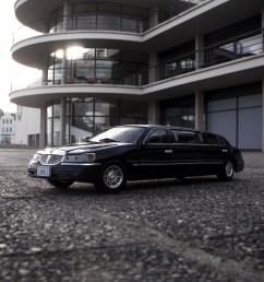 1999 lincoln town car stretched limousine 1 18 diecast by sunstar [ 1024 x 768 Pixel ]