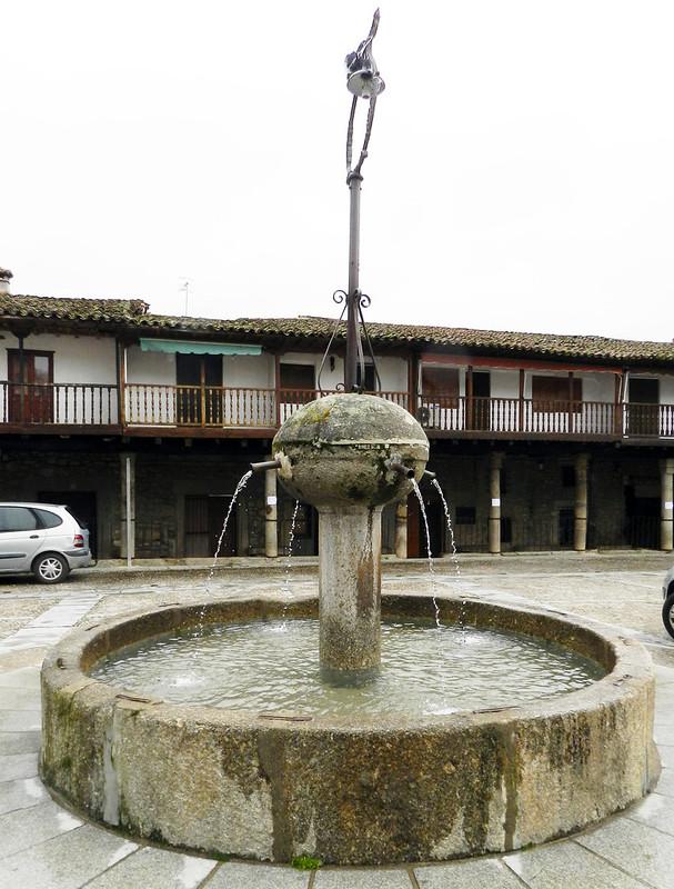 Fuente pilon Plaza de España Cuacos de Yuste Caceres