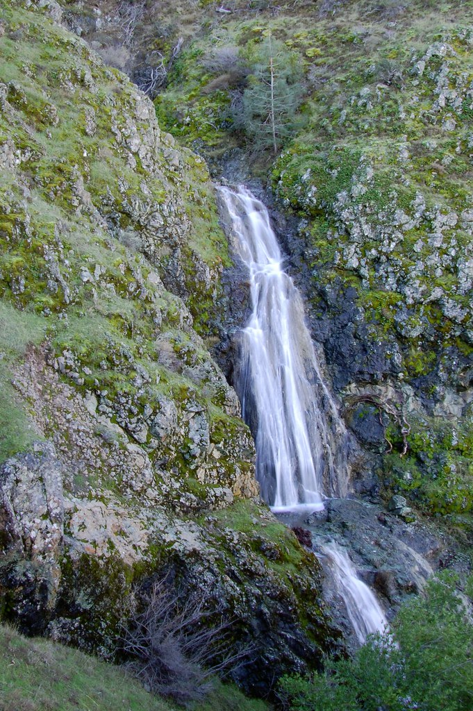 Waterfalls of mount diablo loop trail is a 7.9 mile moderately trafficked loop trail located near clayton, california that features a waterfall and is rated. Mt Diablo State Park Unnamed Waterfall Jeff B Flickr