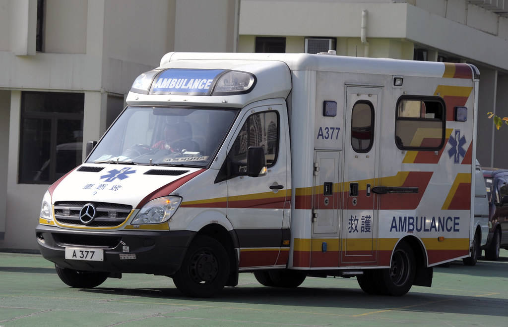 香港消防處 A 377 救護車   HONG KONG FIRE SERVICES DEPARTMENT AMBULAN…   Flickr