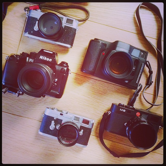 Amazing afternoon in the sun with friends: Leica M3s, Leica M8, Nikon F4 and the new Fuji GA645 😁☀️📷👍💃 Model photos to follow #camerabag #camera #cameraporn #filmcamera #leica #leicam3 #Leicam8 #nikonf4 #ga645 #fujifilm #f
