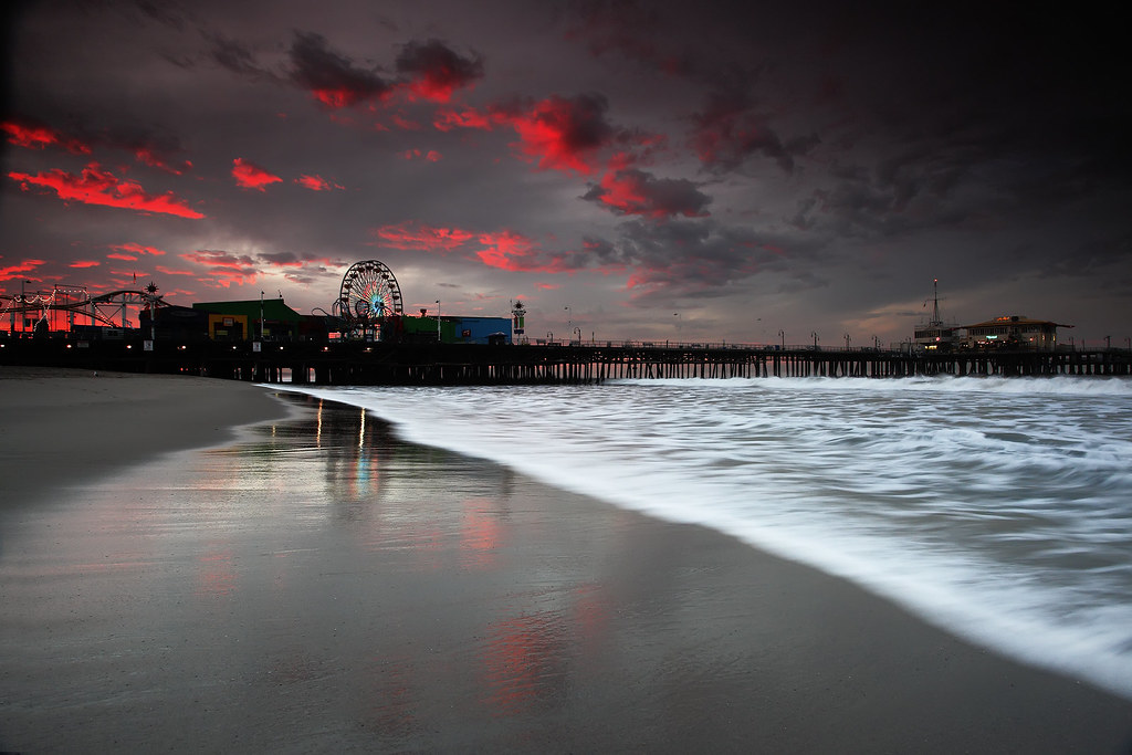 Hd Wallpapers For Widescreen Monitor Santa Monica Pier At Sunrise Lost Transmissions I Ve