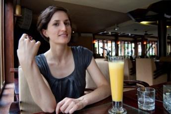 Cornelia mit Passion Fruit - Juice