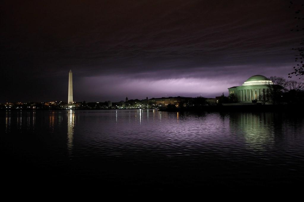 Tornado 3d Storm Live Wallpaper Lightning In The Clouds Over Washington Dc Lightning In