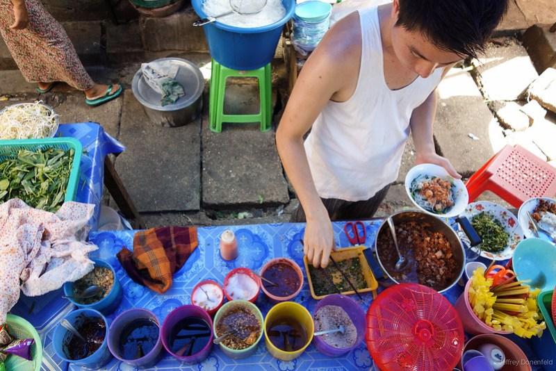 2013-05-05 Yangon - DSC08885-FullWM
