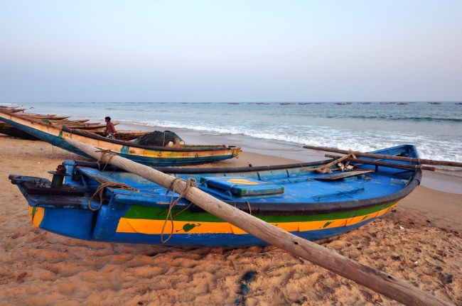India - Odisha - Puri - Fishing Boats - 04