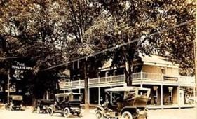 1930 Willoughby Inn