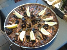 Paella during the Painting Workshop Spain with www.frenchescapade.com
