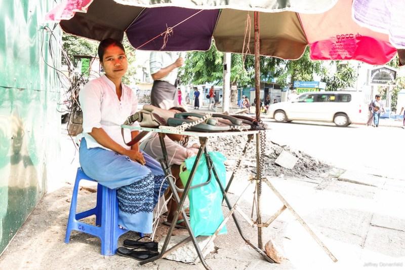 2013-05-05 Yangon - DSC08915-FullWM
