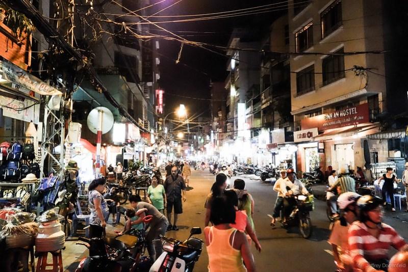 2013-06-13 Saigon - DSC05506-FullWM