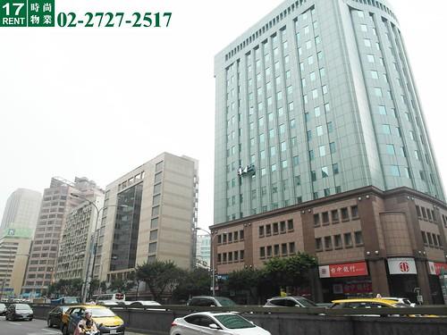 3附近商業大樓林立   時尚物業 17RENT一起租   Flickr