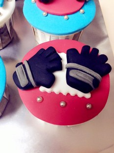 gym gloves cupcake