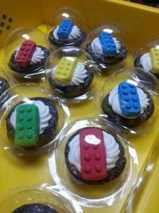 lego brick cupcake