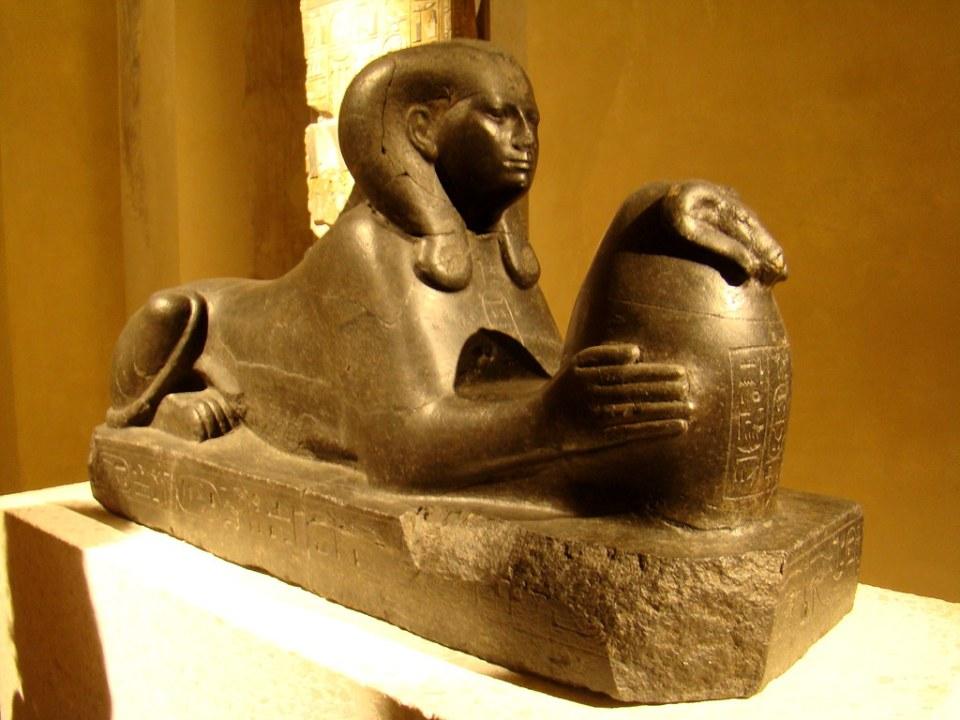 escultura de piedra, Esfinge de Shepenupet II, La esposa de Dios de Amón, Museo Nuevo Berlín Alemania 15