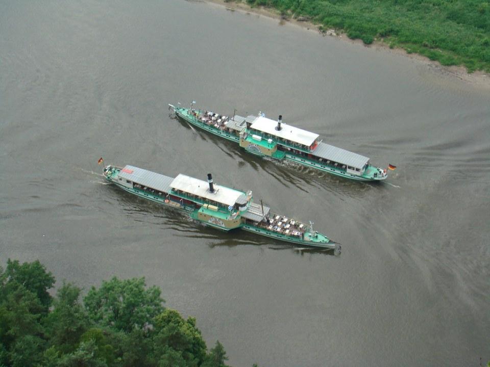 barcos fluviales en rio Rin Medios de Transporte Alemania 17