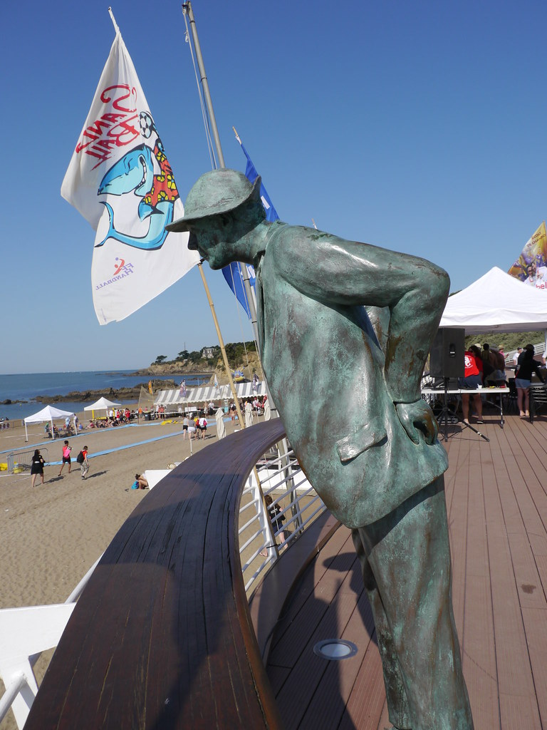 La Plage De Monsieur Hulot : plage, monsieur, hulot, Plage, Saint-Marc, Statue, Monsieur, Hulot, De…, Flickr