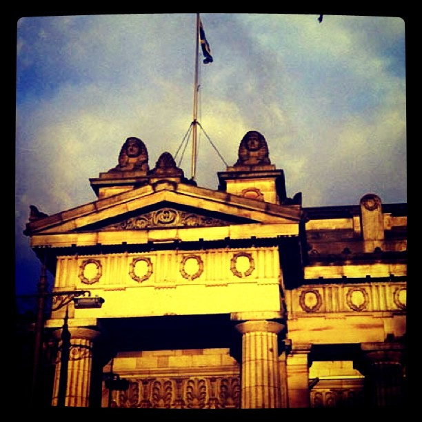 The sun reflecting off of the Scottish National Museum in #Edinburough