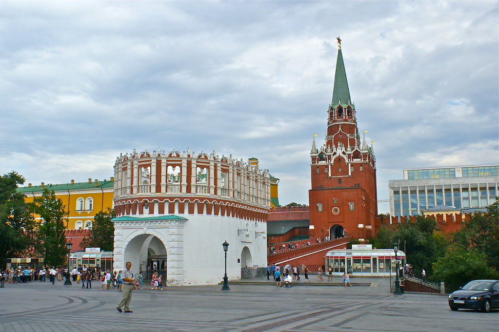 莫斯科-俄羅斯之旅 | 克里姆林宮-三聖塔是目前遊客進入的出入口,可見到克里姆林宮。 | KC Huang | Flickr