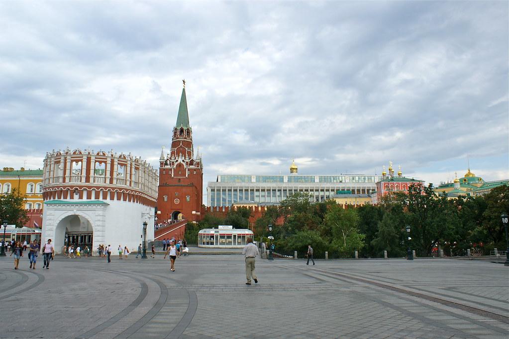 莫斯科-俄羅斯之旅 | 克里姆林宮-三聖塔是目前遊客進入的出入口。可見到克里姆林宮。 | KC Huang | Flickr