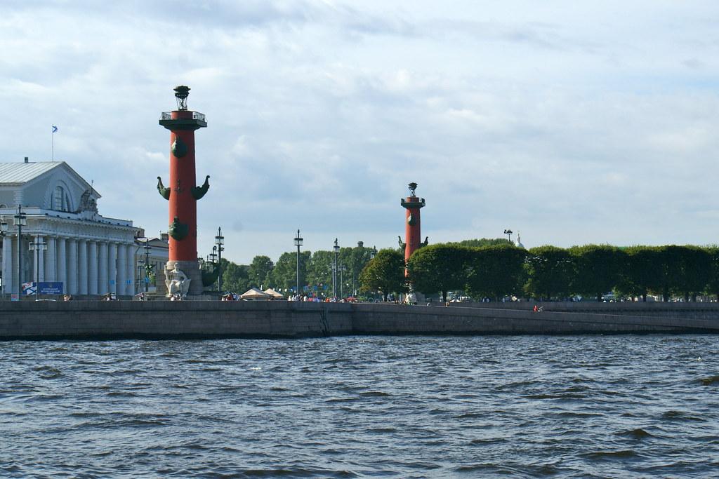 聖彼得堡(俄羅斯之旅一) | 彼得保羅要塞。(相對的瓦西里島,在涅瓦河岸,船頭形圓柱更是一個標。) | KC ...