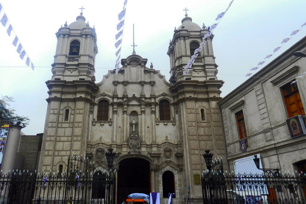 Peru Lima Iglesia de las Nazarenas 02