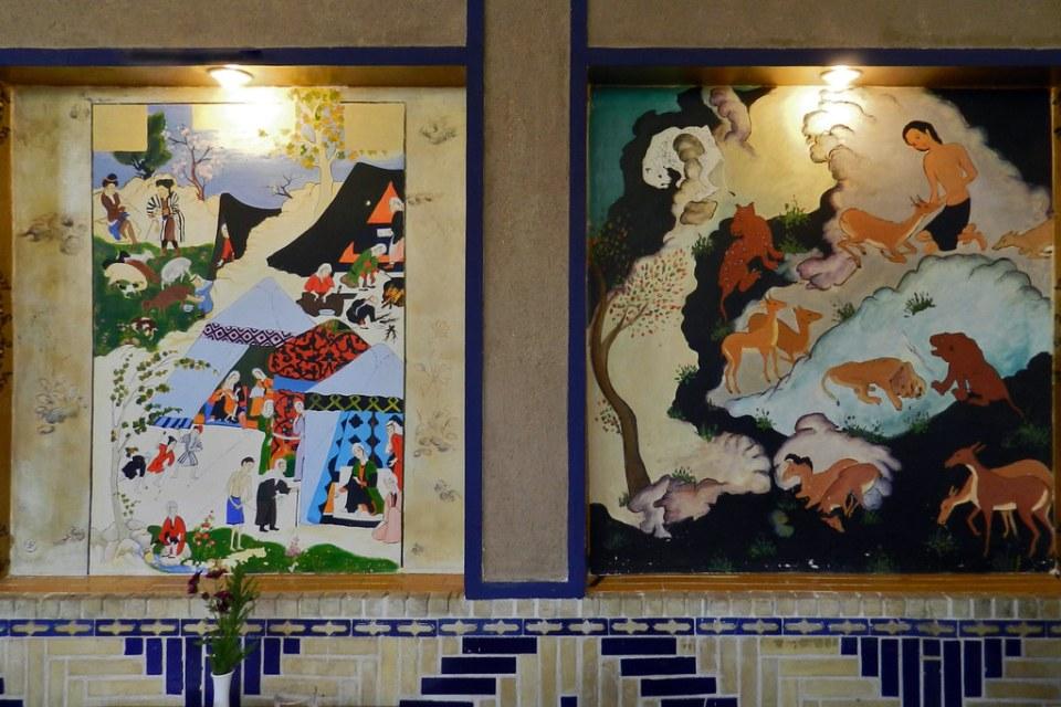 Pintura mural interior de hotel de Yazd Irán 13