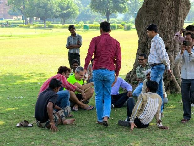 Charla con locales en India