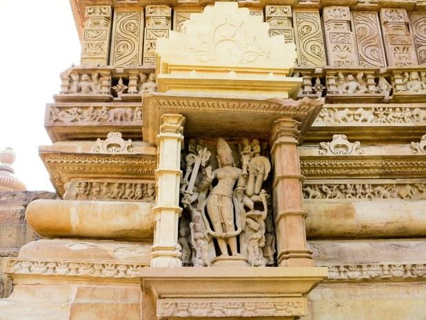 Interior de los templos de Khajuraho