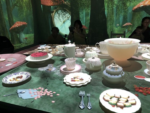 Alice in Wonderland Exhibition - Singapore April 2019