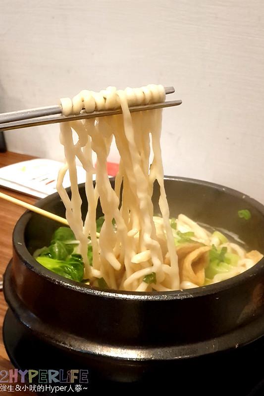 33750566358 d9fb604134 c - 中友百貨旁平價韓式料理~KBAB 大叔的飯卷 | 小小店面總是塞滿人,想吃飯卷是不錯的選擇哦!